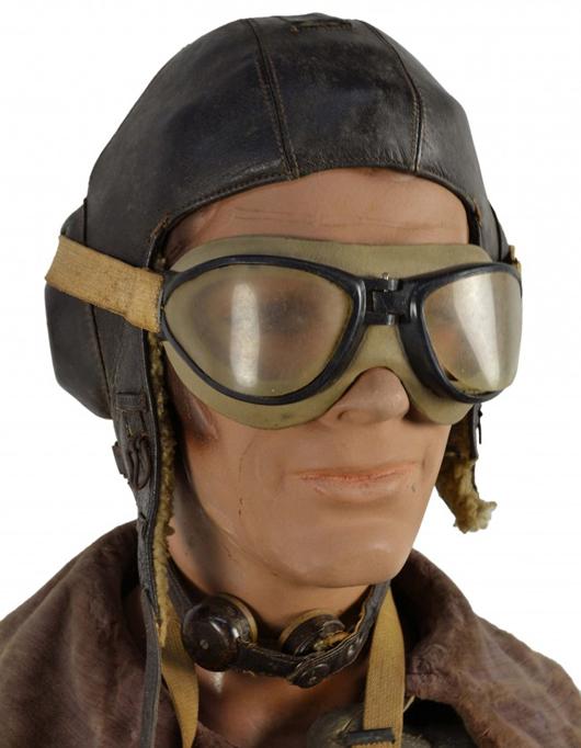 Luftwaffe flight helmet. Estimate: $400-$600. Image courtesy of Morton Kuehnert Auctioneers.