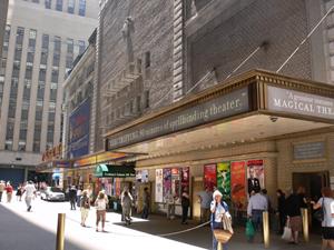 Flea market, auction celebrate 25-year run on Broadway