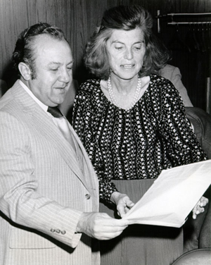 Sculptor Zurab Tsereteli (left) with the late Eunice Kennedy Shriver in an undated photo. Image courtesy of Wikimedia Commons.
