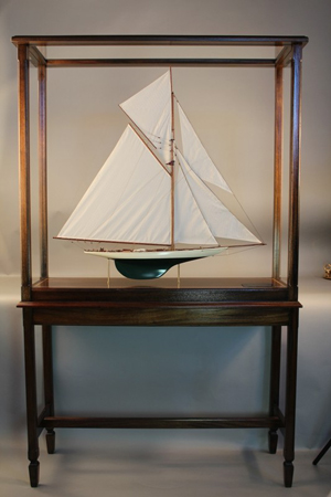 Model of the America's Cup Yacht Columbia. Image courtesy of Boston Harbor Auctions.