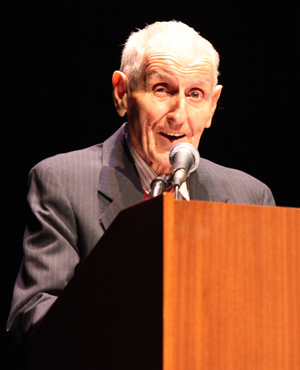 Dr. Jack Kevorkian at a lecture at UCLA in January 1011. Image courtesy of Wikimedia Commons.