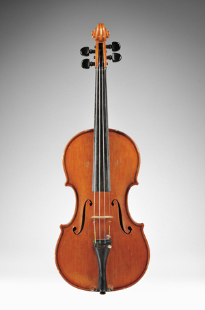 Modern Italian violin, Paolo De Barbieri, Genoa, 1939, with case and two bows, $12,000-16,000. Image courtesy of Skinner Inc.