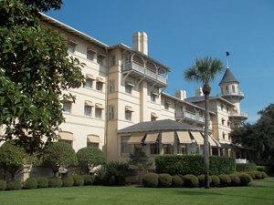The restored Jekyll Island Club Hotel. This file is licensed under the Creative Commons Attribution-Share Alike 3.0 Unported, 2.5 Generic, 2.0 Generic and 1.0 Generic license.