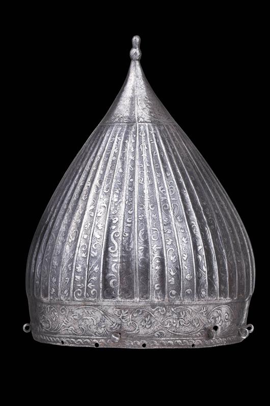 Dieses im türkischen Stil geprägte çiçak, Nürmberg, 1560-1580, wurde höchstwahrscheinlich aus einem türkischen Arsenal während des türkisch-ungarischen Krieges gestohlen. Schätzpreis 30.000 – 40.000 euros ($39,700 to $52,900). Foto mit freundlicher Genehmigung von Pierre Bergé & Associés and Hermann Historica.