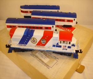 Governor's trains arrive on time for Christmas display