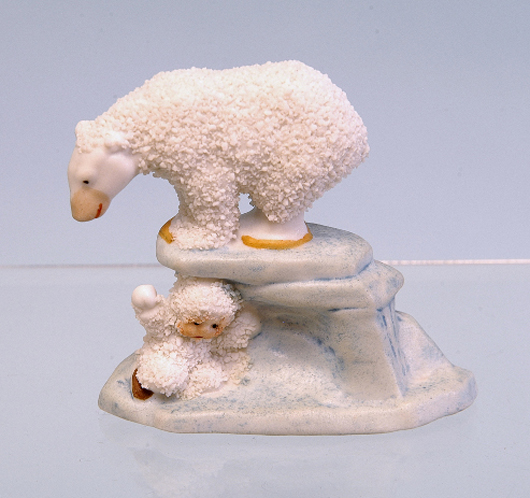 Snow babies often play with friendly polar bears. Note the similar treatment of the fur coats on this porcelain group from Germany sold in a 2005 auction for $330. Courtesy LiveAuctioneers.com Archive and Bertoia Auctions.