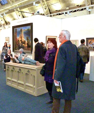 The stand of London Modern British dealers Osborne Samuel at the London Art Fair, with Sean Henry's bronze Man Lying on His Side (2000) in the foreground. Image: Auction Central News.