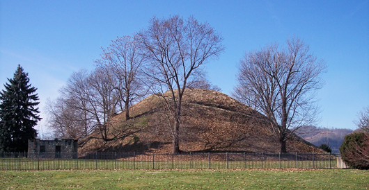 Grave Creek Mound in Moundsville, W.Va. Image by Tim Kiser. This file is licensed under the Creative Commons Attribution-Share Alike 2.5 Generic license.
