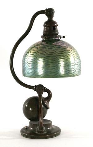 Tiffany Studios counterbalance bronze desk lamp. Estimate: $3,000-$5,000. Image courtesy Gray's Auctioneers.