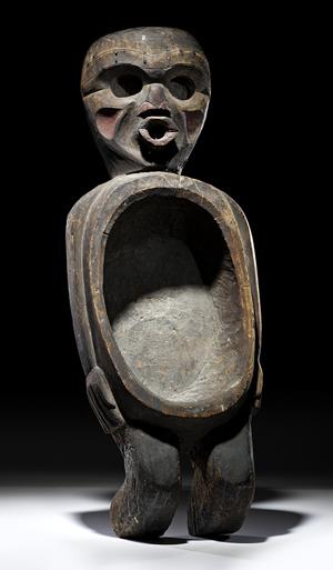 Northwest Coast Kwakwaka'wakw ceremonial feast bowl. Estimate: $70,000-$120,000. Image courtesy Cowan's Auctions Inc.