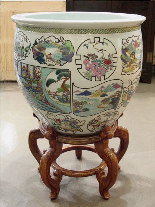 Large Chinese Famille Verte glazed porcelain fish pond, Qing Dynasty, 19.1 inches high x 21.5 inches diameter. Estimate: $15,000-$18,000. Image courtesy Joyce Gallery Auction.