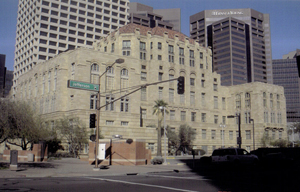 Maricopa County Courthouse in Phoenix, which was built in 1929. Image courtesy Wikipedia Commons.