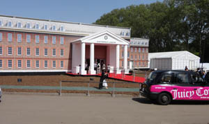 The mock-Georgian façade of the Masterpiece fair marquee on the south grounds of the Royal Hospital in Chelsea. The fair continues until July 4. Photo Auction Central News.