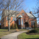 Historic Eldredge Public Library in Chatham, Mass., where books were stolen. Image courtesy Wikimedia Commons.