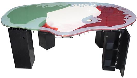 Gaetano Pesce (1939), 'Tavolo Pesce (viso),' 198x125x74 cm. Estimate: €20.000-26.000. Starting price: €12.500. Courtesy San Carlo Aste.