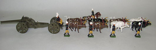 Neil Rhodes custom-painted 18-piece Boer War RFA oxen-drawn 4.7 Naval Gun Team with crew, officer and handlers. Est. $600-800. Old Toy Soldier Auctions image.
