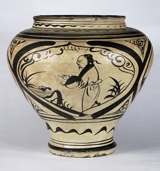 Large painted Cizhou jar, Yuan Dynasty. Estimate: $15,000-20,000. Joyce Gallery Auction image.