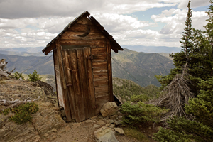 The outhouse for the fire lookout on Goat Peak in the Cascades, Washington state. Image by Curt Smith of Bellevue, Wash. This file is licensed under the Creative Commons Attribution 2.0 Generic license.