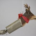 Dieses realistische und detaillierte Dresden Ornament, darstellend ein Rentier, ist ein Knallbonbon. Es brachte 750 $ (€ 597) auf der Bertoia Aution am 23. September 2012. Foto mit freundlicher Genehmigung von Bertoia Auktionen