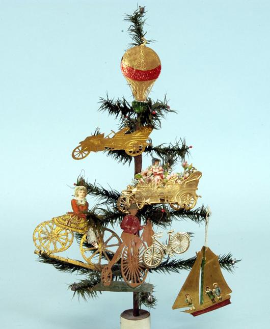 Ein vergoldetes Paradies zweidimensionaler Dresden Ornamente wurde auf der Bertoia Auktion im November 2007 als Gesamtposten für 950 $ (€ 731) verkauft. Foto mit freundlicher Genehmigung von Bertoia Auktionen