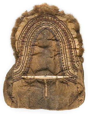 Eskimo fish skin bag, Norton Sound, with a carved and incised bone clasp, last quarter 19th century. Image courtesy LiveAuctoneers.com Archive and Cowan's Auctions Inc.
