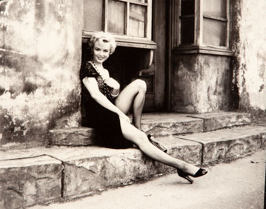 Marilyn Monroe photograph by Milton H. Greene. vintage print, exposition and copy date: 1956. Estimate: 8,000-30,000 Polish zloty ($2,559-$9,596). DESA Unicum image.