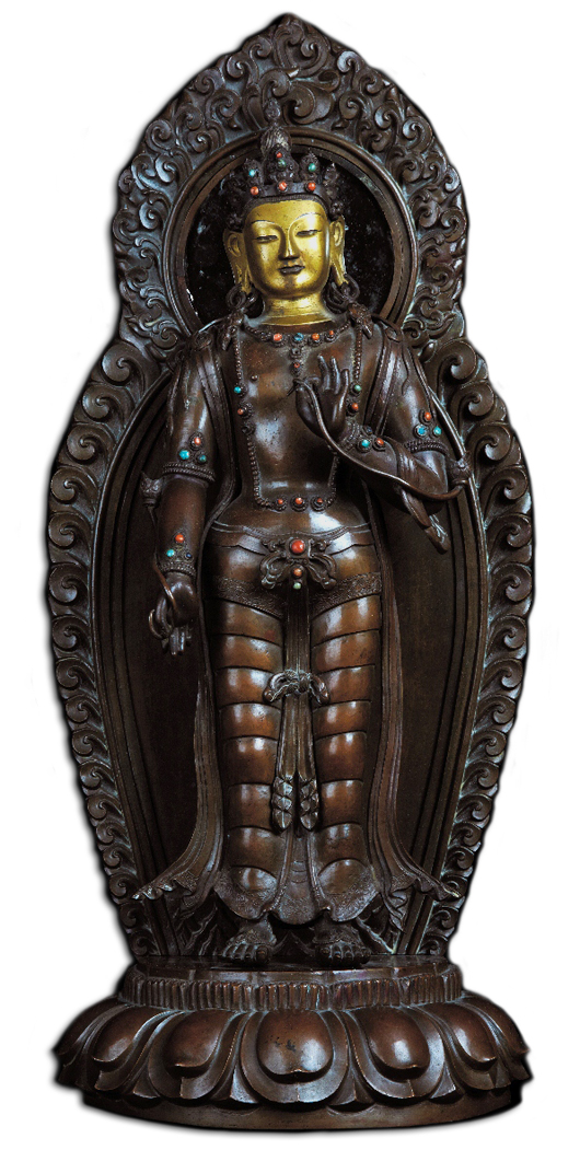Important copper and gilt bronze Boddhisattua figure, China, Qing Dynasty, Quianlong Period (1736-1795), marked with the four Qianlong characters and of the period, 47 centimeters high. Courtesy Cambi Casa d'Aste, Genoa.
