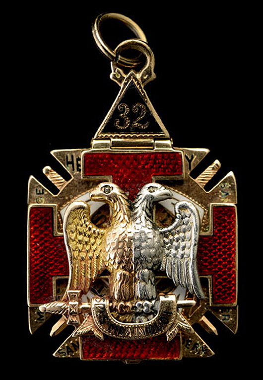 Enamel, 14K gold masonic fob. Estimate: $600-$900. Michaan's Auctions image.