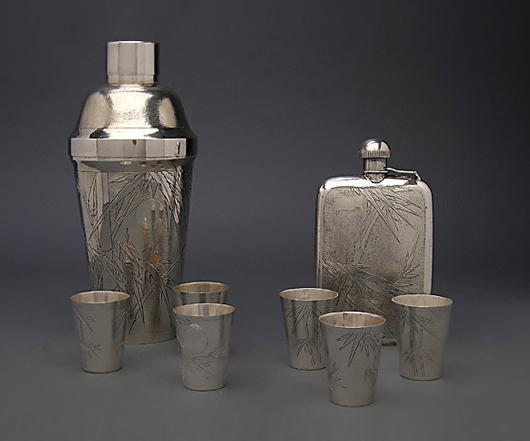 Japanese export silver cocktail shaker with six matching cups. Estimate: $2,000-$3,000. Michaan's Auctions image.