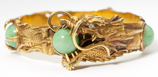 Realizing $5,700 was this stunning dragon-form 18K gold and jadeite by the Meiji-era firm of Arthur and Bond of Yokohama. It had an estimate of $1,500-$2,000.