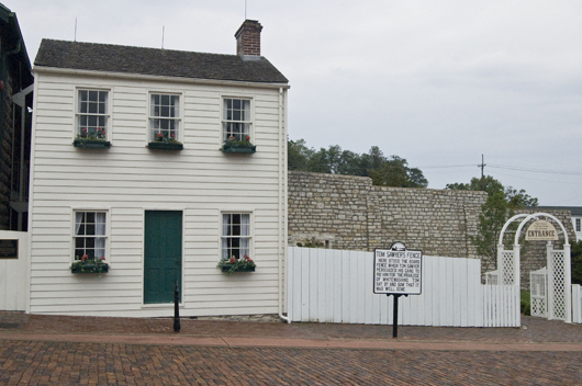 Mark Twain's boyhood home in Hannibal, Mo. Image by Andrew Balet. This file is licensed under the Creative Commons Attribution-Share Alike 3.0 Unported license.
