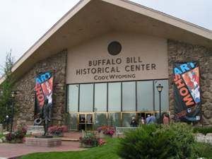 The Buffalo Bill Center of the West in Cody, Wyo. Image by Nicole Cranson, courtesy of Wikimedia Commons.