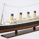 A model of the RMS Titanic. Image courtesy of LiveAuctioneers.com Archive and Hermann Historica Gmbh.