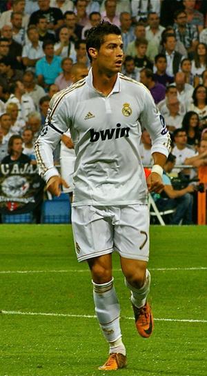lowest price 313ea f3faf Soccer star Ronaldo's damaged Ferrari going on eBay