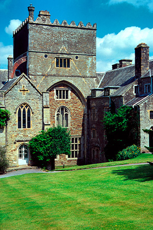 Buckland Abbey, where the Rembrandt self-portrait has been confirmed. Image by Wigulf. This file is licensed under the Creative Commons Attribution-Share Alike 3.0 Unported license.