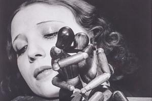 Man Ray (1890-1976), 'Mélancolie,' 1926. Stampa alla gelatina sali d'argento, stampata nel 1974. Intitolata, datata e timbro del fotografo sul verso, cm 27,8 x 23,5 (10.9 x 9.3 in.) Stima 5mila-8mila euro. Courtesy Minerva Auctions.