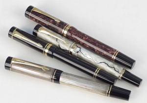 Four vintage Parker fountain pens, all with 18K gold nibs. Image courtesy of LiveAuctioneers.com Archive and Susanin's Auctions.