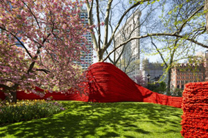 'Red, Yellow, and Blue' by Orly Genger at Madison Square Park, New York City. Photo by James Ewing via Madisonsquarepark.org.