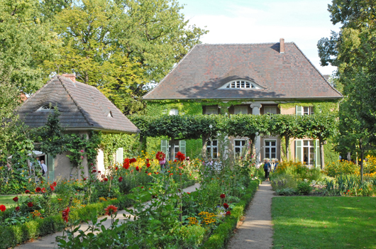 Artist Max Liebermann's villa and garden in Wannsee. Image by dalbera. This file is licensed under the Creative Commons Attribution 2.0 Generic license.