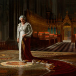 'The Coronation Theatre, Westminster Abbey: A Portrait of Her Majesty Queen Elizabeth II, 2012' by Ralph Heimans. On loan from the artist. Photo: Max Communications/Colin White. © Ralph Heimans