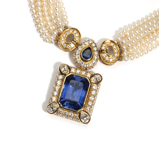 Measuring approximately 24 carats, the natural Ceylon sapphire centerpiece of this Harry Winston necklace inspired fierce competition, finally settling at $138,000 (estimate: $70,000 - $90,000). John Moran Auctioneers image.