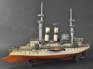 Marklin Battleship Maine, series 1, 'unplayed-with' condition, 30½ in long, $64,900. Bertoia Auctions image.