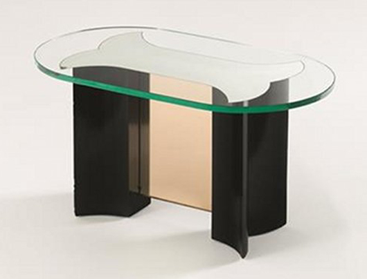 Pietro Chiesa coffee table, 1930, ebonized wood structure, thick crystal pink glass top. Est. €6,000-8,000. Nova Ars image.