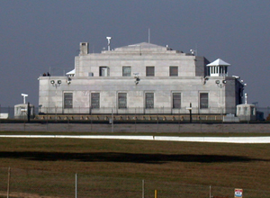 The U.S. Gold Bullion Depository at Fort Knox. This file is licensed under the Creative Commons Attribution 2.0 Generic license.
