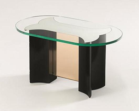 Lot 5: Pietro Chiesa, Fontana Arte, coffee table with ebonized wood structure, thick crystal pink glass top. Estimate: €6,000-8,000, starting bid: €3,000, courtesy Nova Ars Asti.