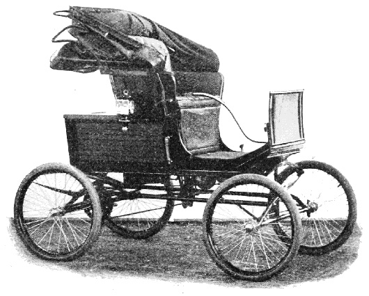 A 1900 Locomobile. Image courtesy of Wikimedia Commons.
