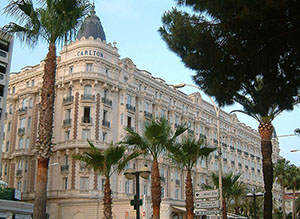 Carlton International Hotel in Cannes, France, site of the diamond robbery. Photo taken June 2006 by Christophe Finot, licensed under the Creative Commons Attribution-Share Alike 2.5 Generic license.
