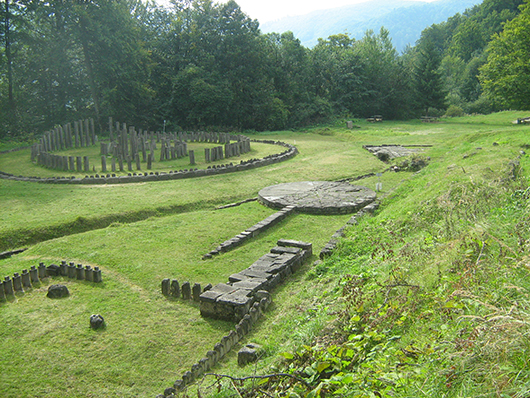 Ruins of Dacian temples at Sarmizegetusa Regia. Image by Ionut Vaida. This file is licensed under the Creative Commons Attribution-Share Alike 3.0 Romania license.