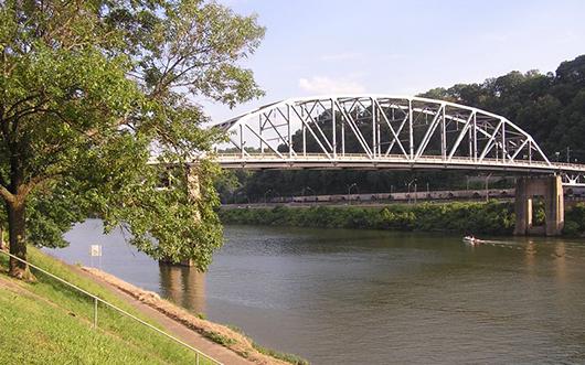 View of the Kanawha River, downtown Charleston, W. Va. Photo by Marduk.