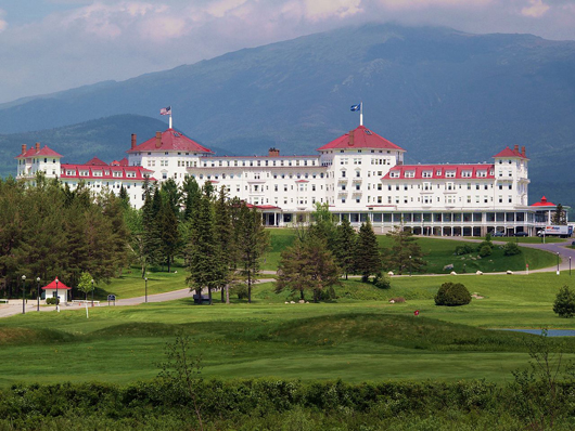 Mount Washington Hotel, a National Historic Landmark in Bretton Woods, N.H. Image by rickpilot_2000. This file is licensed under the Creative Commons Attribution-Share Alike 2.0 Generic license.
